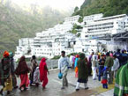 Srinagar with Vaishno Devi Tour